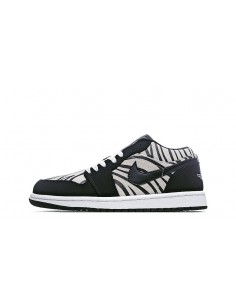 "Air Jordan 1 Low GS ""Zebra"""