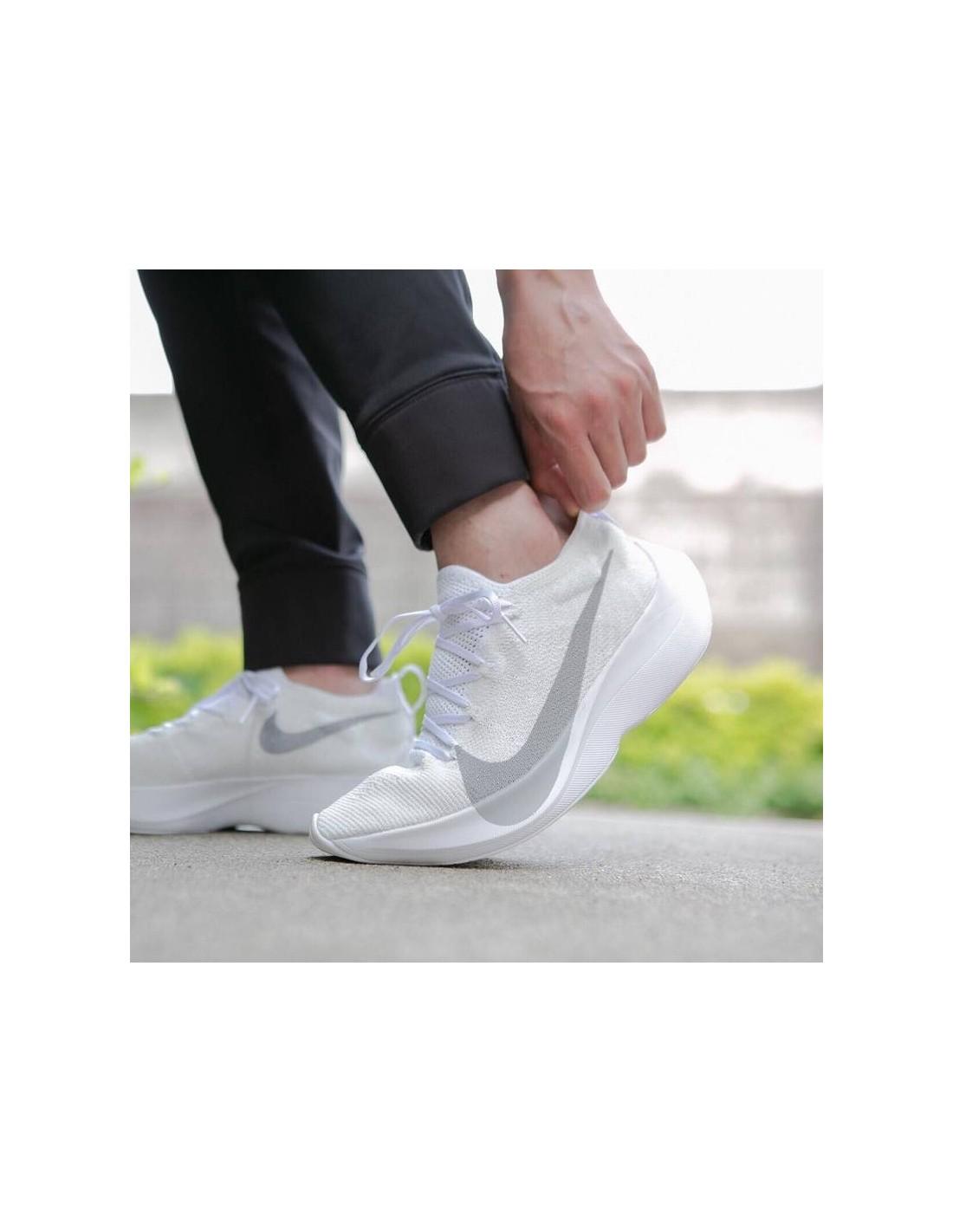 84b9ebd5b8e4 Accueil · React Vapor Street Flyknit. Previous. Next. Previous. Next. Nike